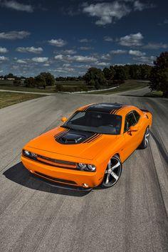 Dodge Challenger RT Hemi Shaker