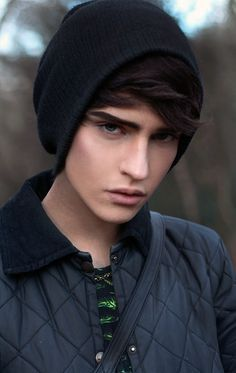 grey eyes black hair boy - Pesquisa Google