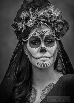 Headdress by Ladybirdylicious  Photo by Satu Mali  Make up by MonsterBeauty Model Rogue Sweetheart