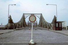 2102 Zehlendorf, Ortsteil: Wannsee. Im Bild die Glienicker Brücke, aufgenommen 1976.