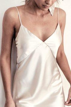 Grace Loves Lace Silky Satin Midi in Moonshine Fashion 2020, Diy Fashion, Ideias Fashion, Fashion Outfits, Fashion Design, College Fashion, Steampunk Fashion, Gothic Fashion, Style Fashion