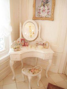 Lovely Corner Vanity