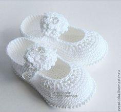 """Для новорожденных, ручной работы. Заказать комплект шляпка - туфельки """" Утонченным натурам"""". Юлиана. Ярмарка Мастеров. Пинетки"""