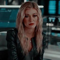 Redhead Characters, Iconic Characters, Flash E Supergirl, Ed Wallpaper, Oliver Queen Arrow, Dc Icons, Killer Frost, Clary Fray, Cw Series