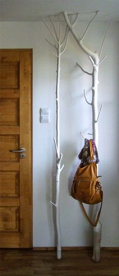 Tree coat hanger