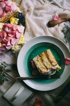 Adventures in Cooking: An Edible Flower Workshop & Salted Caramel Rose Cake