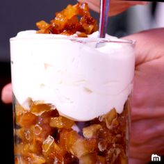 dessert in a jar no bake / dessert in a jar . dessert in a jar recipes . dessert in a jar gift . dessert in a jar no bake . dessert in a jar make ahead Cake Recipes, Snack Recipes, Dessert Recipes, Cooking Recipes, Snacks, Tasty Videos, Food Videos, Spaghetti Eis Dessert, Creme Dessert