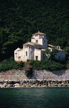 Ancona_Santa-Maria-di-Portonovo01.jpg (410×640)