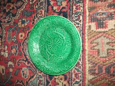 antique green majolica wedgewood plate embrellished with grape leaves 1890