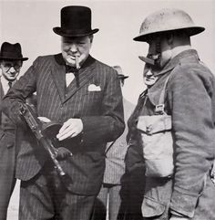 1940: Churchill with a Tommy Gun
