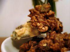 Bomboane de ciocolata si seminte Cereal, Almond, Beef, Chicken, Breakfast, Desserts, Food, Meat, Morning Coffee