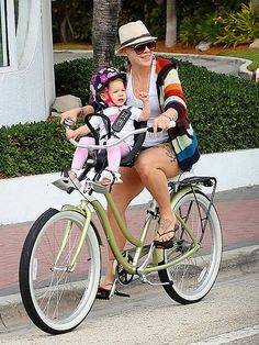 Pink and her kid joyride.