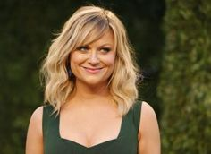 Top blonde Celebrities Hairstyles 2018 - Celebrity Style and Fashion Trends Layered Haircuts For Women, Cool Haircuts, Amy Poehler Quotes, Blonde Celebrities, Good For Her, Short Hair Older Women, Short Hair With Layers, Hair 2018, Celebrity Hairstyles