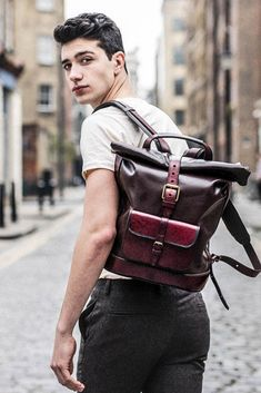 Mens Satchel, Satchel Backpack, Satchel Handbags, Luggage Backpack, Style Casual, Smart Casual, Classy Style, Men's Style, Casual Chic