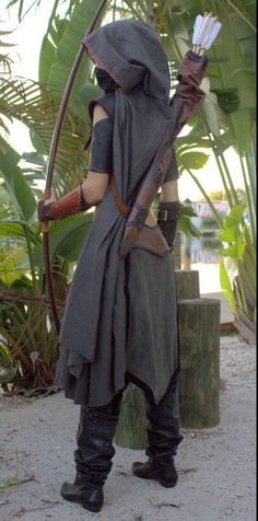 Ranger cloak - COSPLAY IS BAEEE! Tap the pin now to grab yourself some BAE Cosplay leggings and shirts! From super hero fitness leggings, super hero fitness shirts, and so much more that wil make you say YASSS! Costume Original, Moda Medieval, Renaissance Fair, Costume Halloween, Zombie Costumes, Halloween Couples, Group Halloween, Best Cosplay, Anime Cosplay