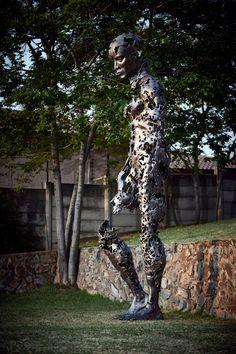 Sculpture géante par Regardt van der Meulen - Journal du Design