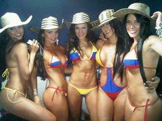 Colombian Girls Hot Fan, Colombian Girls, Latin Women, Single Men, Summer Body, Latina, Sexy Women, Beautiful Women, Lady