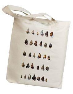 He encontrado este interesante anuncio de Etsy en https://www.etsy.com/es/listing/124164249/seashell-08-eco-friendly-canvas-tote-bag