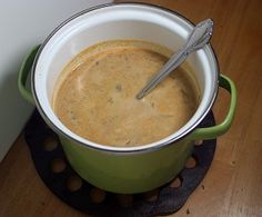 This freezer meal butternut poblano soup recipe has just a hint of spiciness from the roasted poblano and a subtle blend of spices. Vegetarian Freezer Meals, Freezer Cooking, Vegan Dinners, Fall Recipes, Soup Recipes, Poblano Soup, Butternut Soup, Butternut Squash, Eggplant Pizzas
