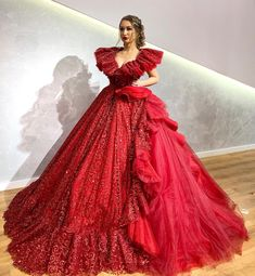 2020 Red Ball Gown Prom Dresses Sequined V Neck Ruffles Dubai Arabic - Christmas-Desserts Quince Dresses, Pink Prom Dresses, Lace Evening Dresses, Puffy Dresses, Red Ball Gowns, Ball Gown Dresses, Most Beautiful Dresses, Pretty Dresses, Celebrity Evening Gowns