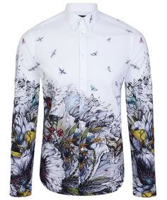 Make heads turn with this White Toxic Bird Print Shirt from Alexander McQueen. More Fashion Trends @ rickysturn/mens-fashion Mens Shirts Uk, Mens Printed Shirts, Mens Shirts Online, Men's Shirts, Moda Rock, Mode Shoes, Camisa Polo, Mcq Alexander Mcqueen, Herren T Shirt