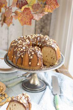 Bundt cake de crema de cacahuete   La Cuchara Azul Si os gusta la crema de cacahuete tanto como a nosotras tenéis que probar este Bundt cake porque os va a encantar! Y es que hace mucho tiempo que le Cheesecake Pie, Bunt Cakes, Pan Dulce, Quick Bread, Trifle, Party Snacks, Cakes And More, Food Photo, Bakery