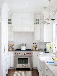 cucina piccola luminosa