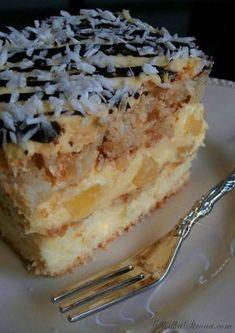 Ciasto Ananasowo-Kokosowe - Przepis - Słodka Strona Baking Recipes, Cake Recipes, Dessert Recipes, Desserts, My Favorite Food, Favorite Recipes, Banana Nut Bread, Mini Foods, Pumpkin Cheesecake