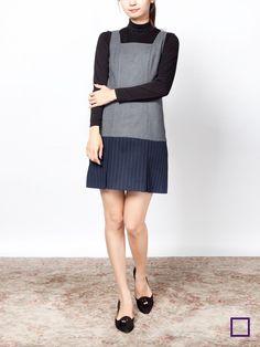 핀스트라이프 플리츠 드레스