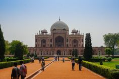 Humayun's Tomb Guide and Photo Essay of an Indian Innovation - http://www.theconstantrambler.com/humayuns-tomb-guide-india-delhi/