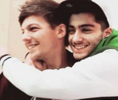 Louis Tomlinson hits back at Zayn Malik's One Direction 'DISS track' One Direction Fotos, Malik One Direction, One Direction Humor, One Direction Pictures, I Love One Direction, 0ne Direction, 5 Best Friends, Le Clown, Larry Shippers