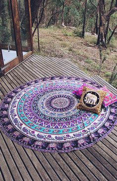 shop Indian Mandala Tapestries Round Beach Throw Wall Hanging Yoga Mat Boho sofa throw on sale. we offer round mandala bedspread or soft sofa blanket throw. Boho Tapestry, Mandala Tapestry, Boho Rugs, Wall Tapestry, Moon Mandala, Boho Lifestyle, Circle Beach Towel, Yoga Studio Design, Mandala Throw