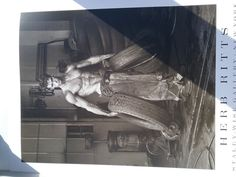 Plakat Herb Ritts, Fred with tyres, Gallery New York,  Body Autowerkstatt Top