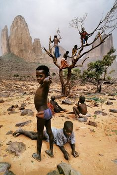 What's Happning Where? Who is concerend for whom??  Mali, Weathering the Elements | Steve McCurry