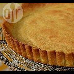 This Easy Fruit Tart starts with a buttery sweet shortbread crust that is filled with a delicious cream mixture of heavy cream and mascarpone cream, and topped with fresh fruit. With Demo Video Pie Crust Recipes, Pastry Recipes, Tart Recipes, Pie Crusts, Shortbread Pie Crust, Shortbread Recipes, Pie Dessert, Dessert Recipes, Quiches