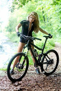 Coffee Bikes   Fotografía Creativa en el Ciclismo: Sexy Cycling Swiss Calendar 2014 Session