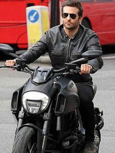 bradley cooper on Ducati Diavel Moto Bike, Motorcycle Bike, Bradley Cooper, Diavel Ducati, Motos Vintage, Stars D'hollywood, Cafe Racer, Moto Style, Bike Life