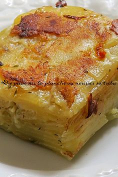 Discover recipes, home ideas, style inspiration and other ideas to try. Scalloped Potato Recipes, Food Garnishes, Xmas Food, My Best Recipe, Cordon Bleu, Veggie Dishes, Food For Thought, Street Food, Food Videos