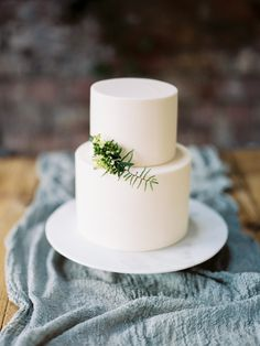 Home - Hannah Hickman Cakes Cake Toppers, Wedding Cakes, Party Ideas, Elegant, Simple, Desserts, Food, Design, Wedding Gown Cakes