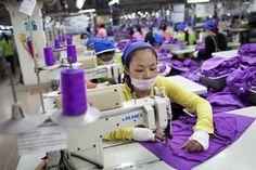 CNCD-11.11.11 - JO de Londres : comment sont fabriqués les tenues des athlètes belges ?