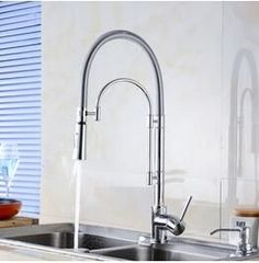 Polished Chrome Deck Mounted Chrome Kitchen Sink Faucet/Mixer Taps