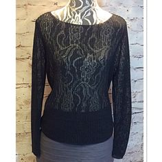 SZ LG EXPRESS OPEN WEAVE BLACK SWEATER Love this sweater in the open weave style. Gently used Express Sweaters Crew & Scoop Necks