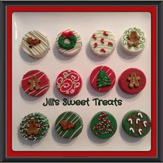 Christmas Chocolate Covered Oreos by jillssweettreats on Etsy Christmas Cake Pops, Christmas Sweets, Christmas Baking, Chocolate Navidad, Christmas Chocolate, Chocolate Covered Oreos, Chocolate Covered Strawberries, Dipped Oreos, Holiday Cookies