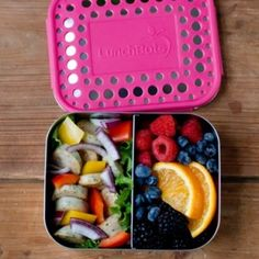 LunchBots stainless steel lunch box - duo dots pink. Ideal for lunch and a snack, and great for younger kids because of its size. Divider is adjustable. Available in a range of colours.