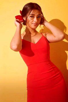 - it's mindblowing - Liza Soberano (Philippines/US) Filipina Actress, Filipina Beauty, Liza Soberano Fashion, Liza Soberano Instagram, Lisa Soberano, Fashion Outfits, Womens Fashion, Fashion Fall, Girl Photography