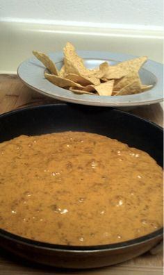 Copy Cat Recipe: Chilis Chips and Queso, lbs of Velveeta Cheese 2 Cans of Hormel Chili ( No Beans) (Cheese Chips Skillet) Appetizer Recipes, Snack Recipes, Cooking Recipes, Snacks, Appetizers, Dip Recipes, Dinner Recipes, I Love Food, Good Food