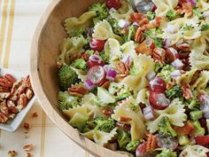 Salade de pâtes, brocolis et bacon : Recette de Salade de pâtes, brocolis et bacon - Marmiton
