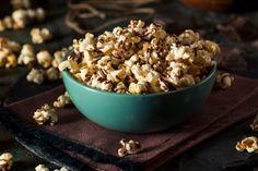 Schoko-Popcorn - Schnell gemacht und versüßt jeden Filmabend. Und mal im Ernst, was wäre ein Filmabend ohne Popcorn-Geruch?