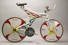 De mooiste fietsen uit 100 jaar Tour de France - Café de la Poste