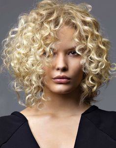short curly cuts for stylish ladies this 2020 5 Haircuts For Curly Hair, Long Bob Haircuts, Curly Hair Cuts, Hairstyles For Round Faces, Curled Hairstyles, Wavy Hair, Short Hair Cuts, Curly Short, Short Curls